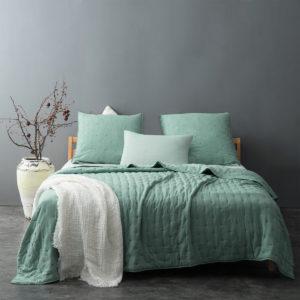 Le vert dans la déco : couvre lit