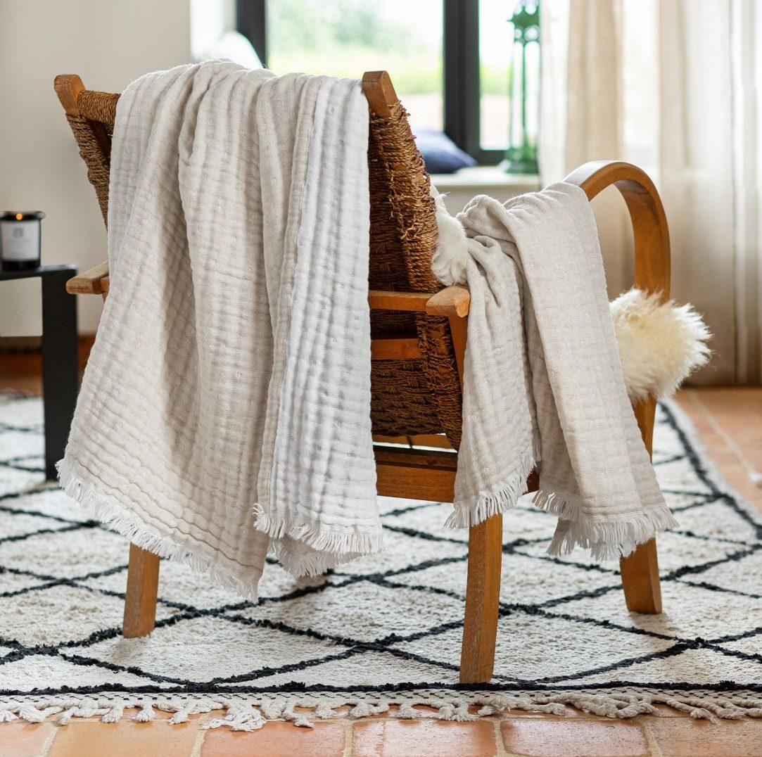 Coups de coeur déco : plaid réversible en gaze de laine et coton