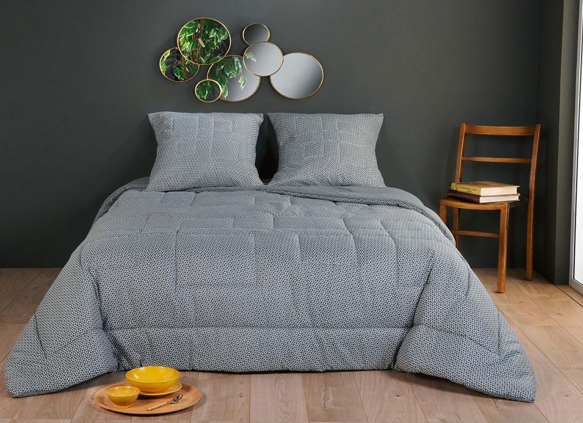 Jeté de lit matelassé à motifs géométriques